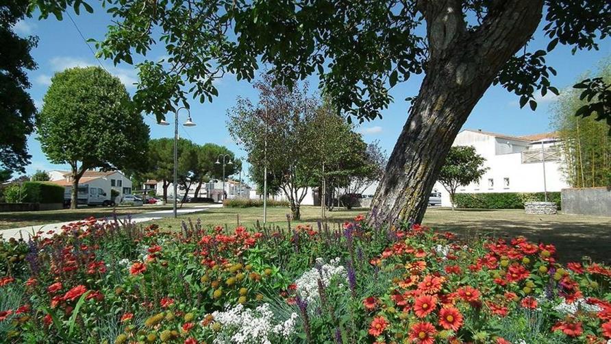 3 me festival des vieilles forges au jardin passy st for Camping hortus le jardin de sully